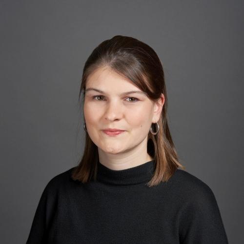 Schüller, Larissa